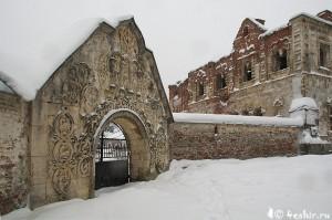белокаменные ворота