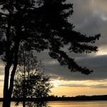 Закат на берегу озера