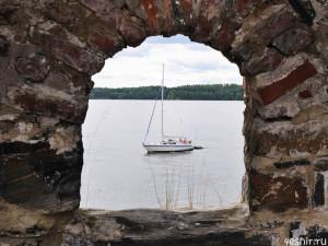 За стенами крепости