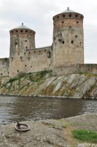 Олавинлинна с берега