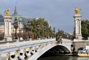 Самый красивый мост Парижа
