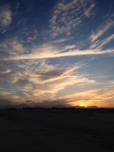 Закат на фоне гор