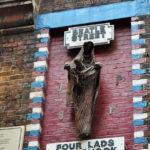 Памятник на Mathew street