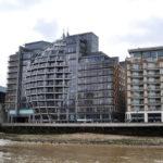 Набережная Темзы, домики