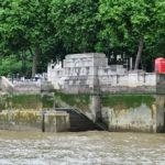 Линия уровня воды в Темзе