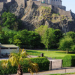 Эдинбургский замок и пальма