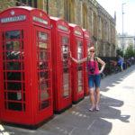 Традиционные красные телефонные будки