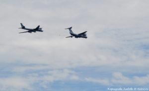 Самолёт-заправщик Ил-78 и Ту-142