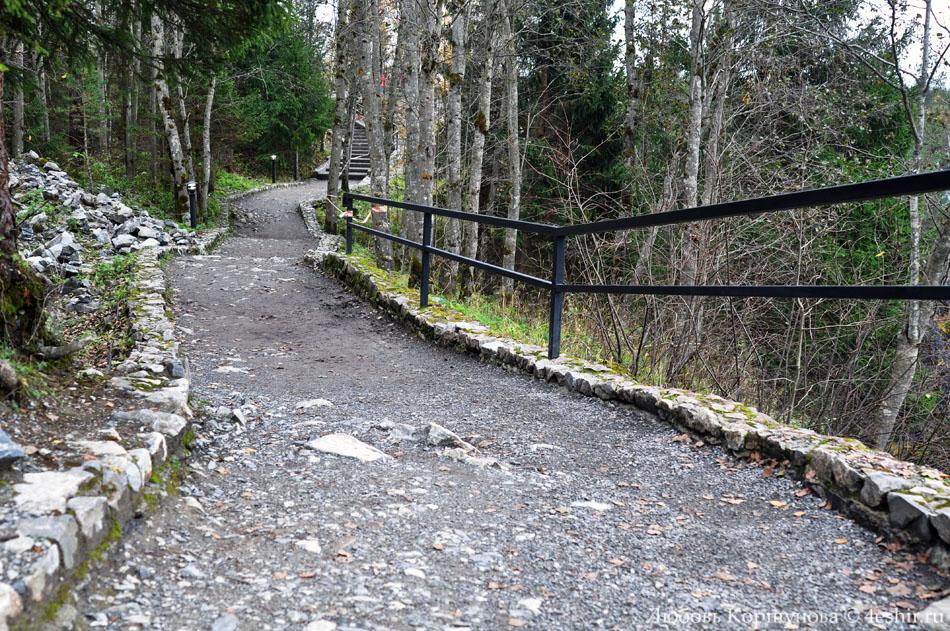 Дорожки в горном парке Рускеала